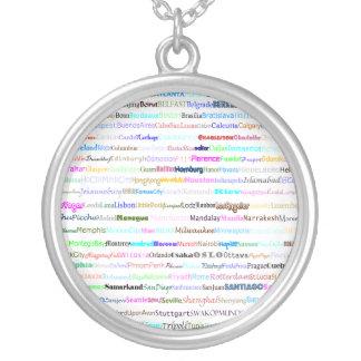 Ciudades del collar redondo del diseño II del text
