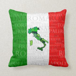 Ciudades, mapa, y bandera de Italia Cojín