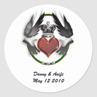 claddagh heart engagement round stickers
