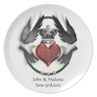claddagh heart wedding keepsake melamine plate