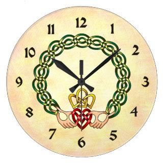 Claddagh Reloj Redondo Grande