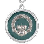 Claddagh Round Pendant Necklace