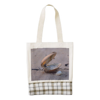 Clam I Zazzle HEART Tote Bag