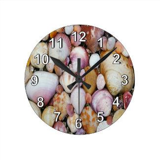Clam Shell Round Clock