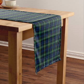 Clan tartán escocés azul marino y verde de Gordon Camino De Mesa Corto