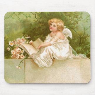 Clapsaddle: Ángel con el libro y las flores Alfombrillas De Ratón