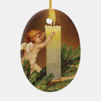 Clapsaddle: Ángel en la ramita del abeto Adorno Navideño Ovalado De Cerámica