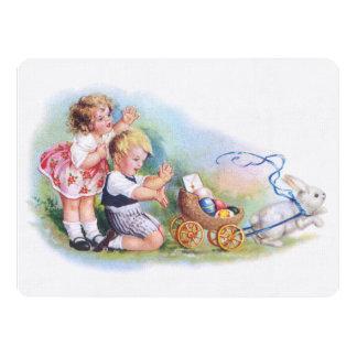 """Clapsaddle: Niños que juegan con el conejito Invitación 6.5"""" X 8.75"""""""