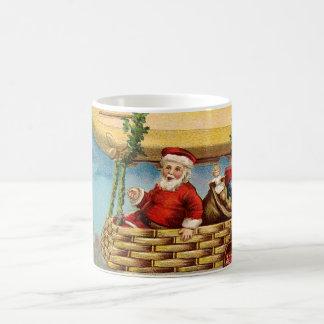 Clapsaddle: Papá Noel en zepelín Taza De Café