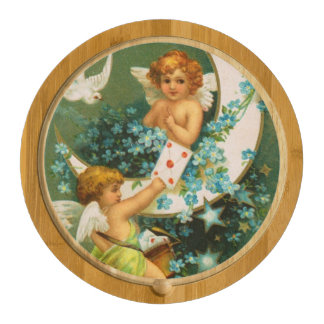 Clapsaddle: Two Cherubs on a Sickle Moon Round Cheeseboard