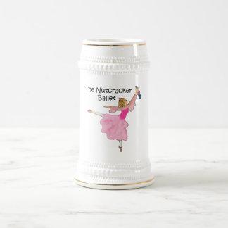 Clara preciosa y su cascanueces jarra de cerveza