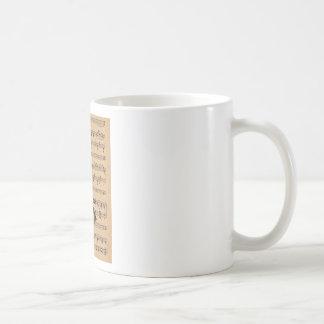 Clarinet con el fondo de la partitura tazas de café