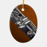 Clarinet con el ornamento del fondo del oro ornamento para reyes magos