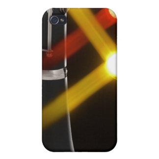 Clarinet con las luces rojas y amarillas de la eta iPhone 4 fundas