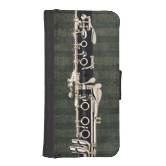 Clarinet Keys on Green Stripes iPhone SE/5/5s Wallet