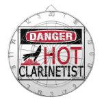 Clarinetist caliente tablero dardos