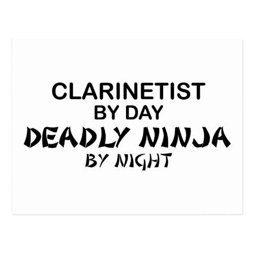 Clarinetist Ninja mortal por noche Postales