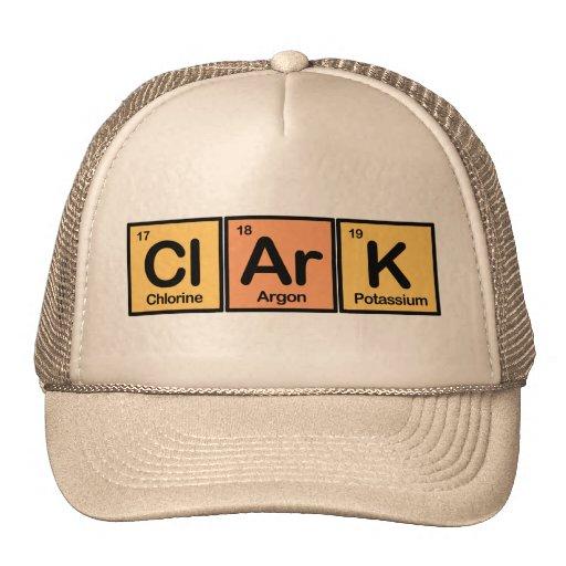 Clark hizo de elementos gorros bordados