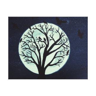 Claro de luna que brilla intensamente con el árbol impresión en lona estirada