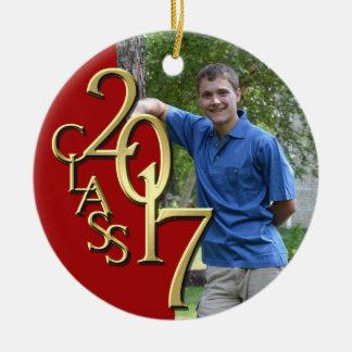 Clase 2017 roja y foto graduada del oro adorno navideño redondo de cerámica