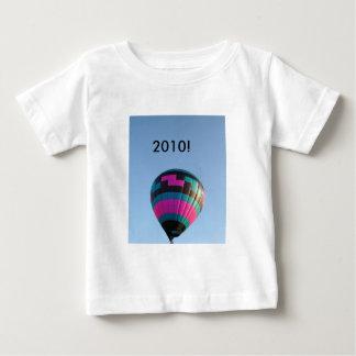 ¡Clase de 2010!  ¡Alto vuelo! Playera Para Bebé