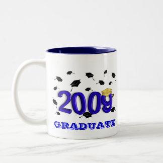 Clase de la celebración 2009 de la graduación taza de café de dos colores