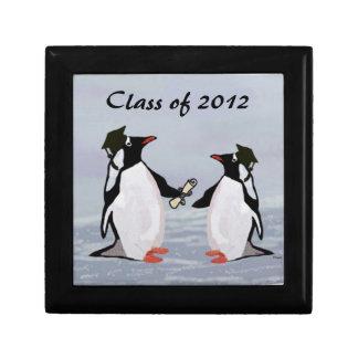 Clase de los graduados del pingüino de la caja 201 joyero cuadrado pequeño