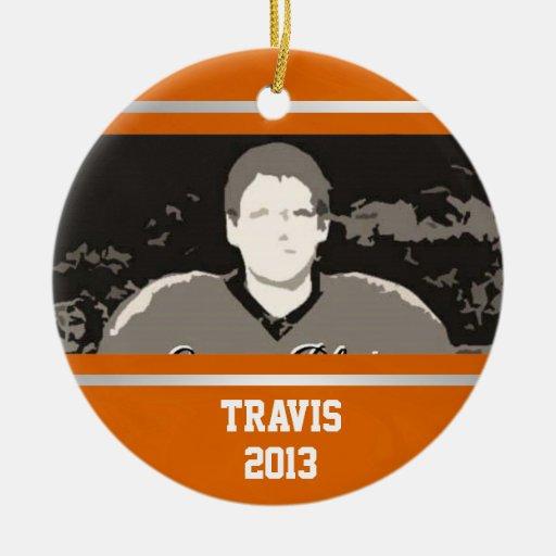 Clase de plata anaranjada del equipo universitario adorno navideño redondo de cerámica