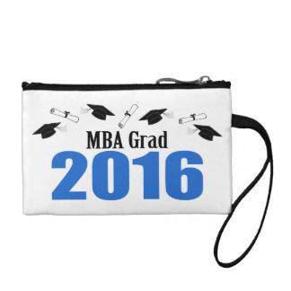 Clase del graduado de MBA de 2016 casquillos y