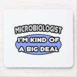 Clase del microbiólogo… de una gran cosa alfombrillas de ratón