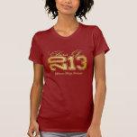 Clase elegante del rojo y del oro de 2013 camiseta