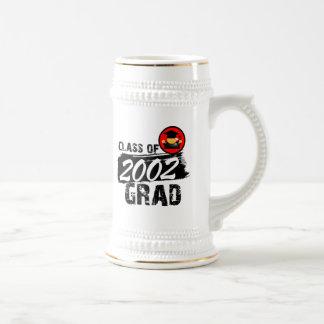 Clase fresca del graduado 2002 jarra de cerveza