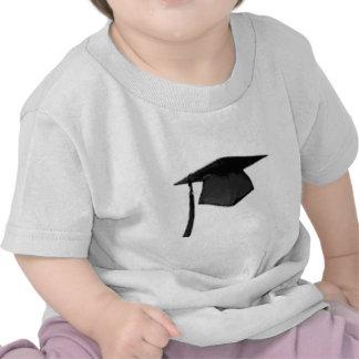 Clase graduada del casquillo y del vestido camisetas