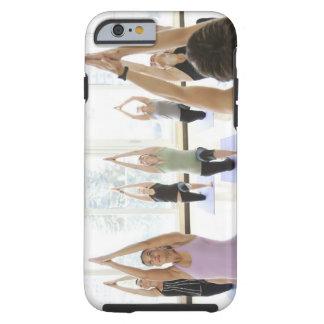Clase principal del instructor de la yoga con funda resistente iPhone 6