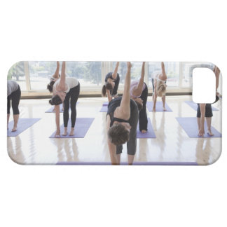 class practicing yoga with instructor in a iPhone SE/5/5s case