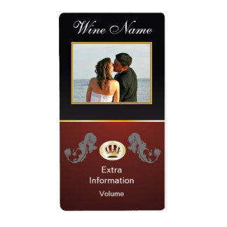 Class Royal Red Crown Black Wine Label With Kisses