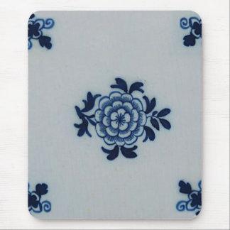 Classic Antiquarian Delft Blue Tile - Floral Motif Mouse Pad