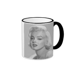 Classic Beauty Ringer Mug