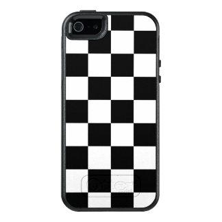 Classic Black and White Checkerboard OtterBox iPhone 5/5s/SE Case