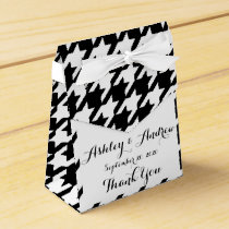 Classic Black and White Houndstooth Pattern Favor Box