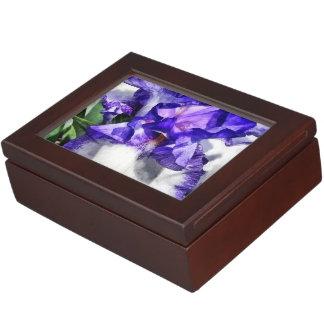 Classic Look Iris Closeup Keepsake Boxes