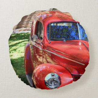 Classic Red cars Round Pillow