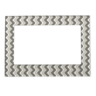 Classic Ripple Chevron Magnetic Frame - Grey