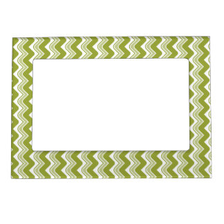 Classic Ripple Chevron Magnetic Frame - Olive