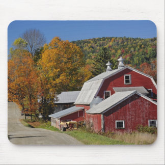 Classic rural barn and road, White Mountain Mousepad
