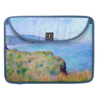 Claude Monet: Acantilado cerca de Pourville Funda Para Macbooks