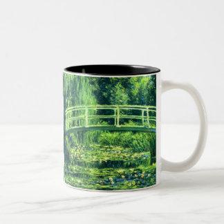 Claude Monet: Bridge Over a Pond of Water Lilies Coffee Mug