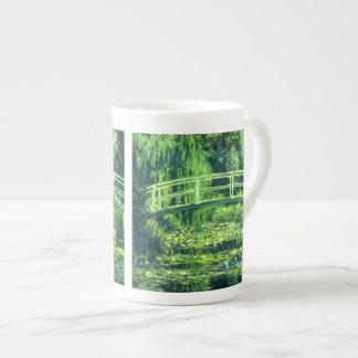 Claude Monet: Bridge Over a Pond of Water Lilies Porcelain Mug