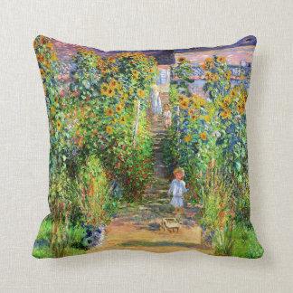 Claude Monet: El jardín de Monet en Vétheuil Cojín