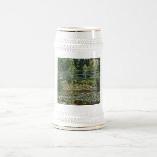 Claude Monet - la pasarela japonesa Jarra De Cerveza